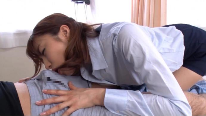 紧身裙痴女医生淫荡的诱惑插图33