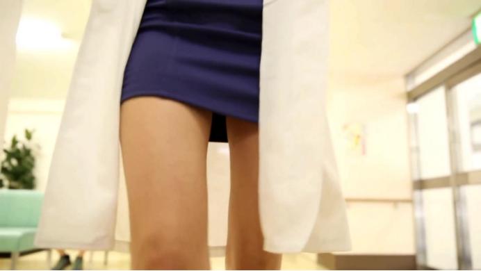 紧身裙痴女医生淫荡的诱惑插图7